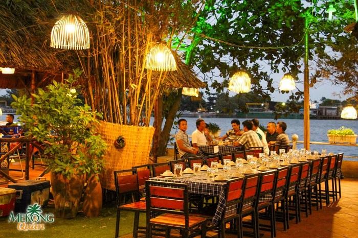 Nhà hàng bên sông Mekong Thủ Đức