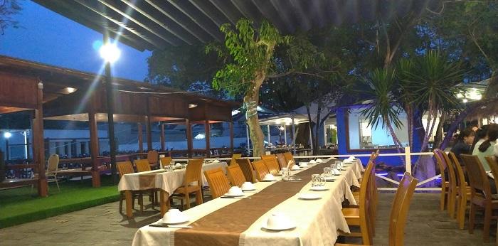 Nhà hàng bên sông Vườn Ẩm Thực Nai Vàng - Thủ Đức