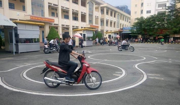 Thi bằng lái xe máy ở Thủ Đức - Toàn Thắng