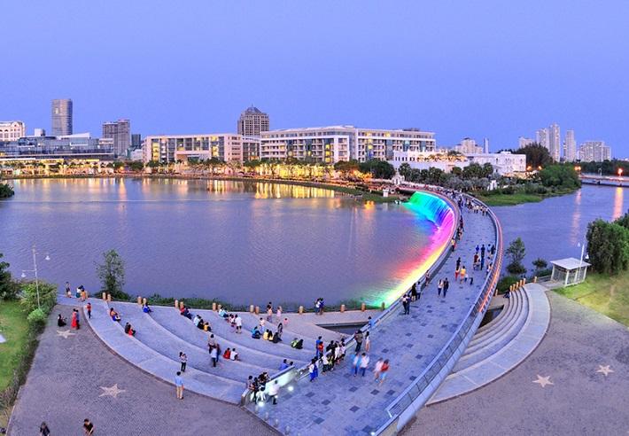 Địa điểm đi chơi ở Sài Gòn về đêm - Cầu Ánh Sao