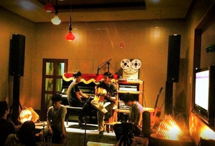 Đồng Nát Cafe Acoustic