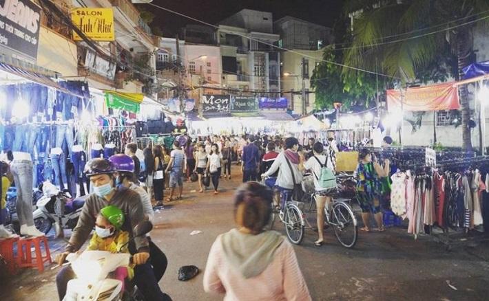 Chợ đêm Hạnh Thông Tây