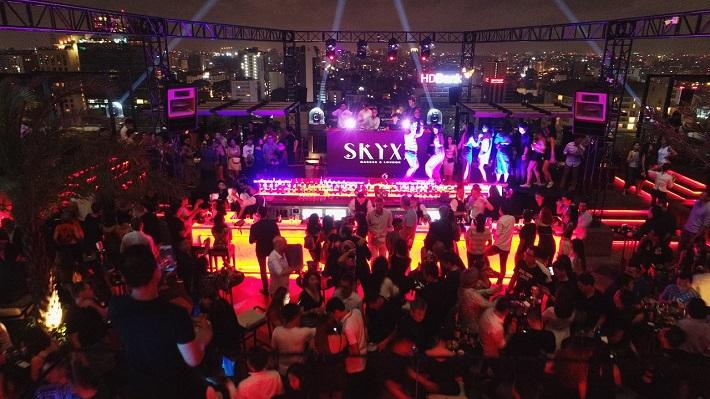 Địa điểm đi chơi ở sài gòn về đêm - SkyXX Bar
