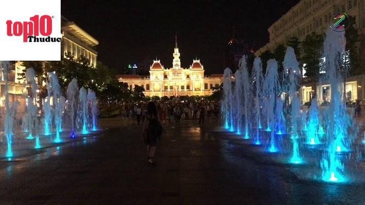 Phố đi bộ Nguyễn Huệ về đêm