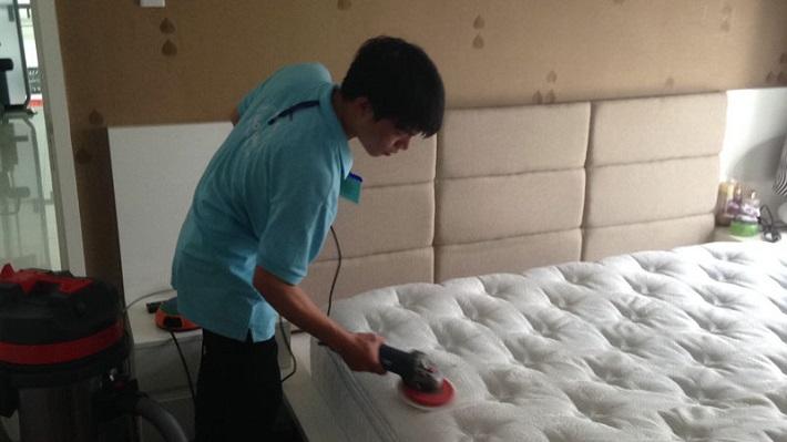 Giặt nệm tại nhà - Dịch vụ vệ sinh Hoàng Hà