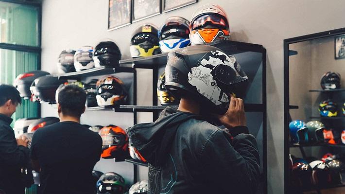 Cửa hàng nón bảo hiểm Bình Oanh (Hình minh họa)