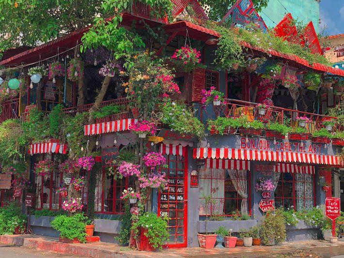 Quán cà phê Bonjour Cafe The Art – Quận 2