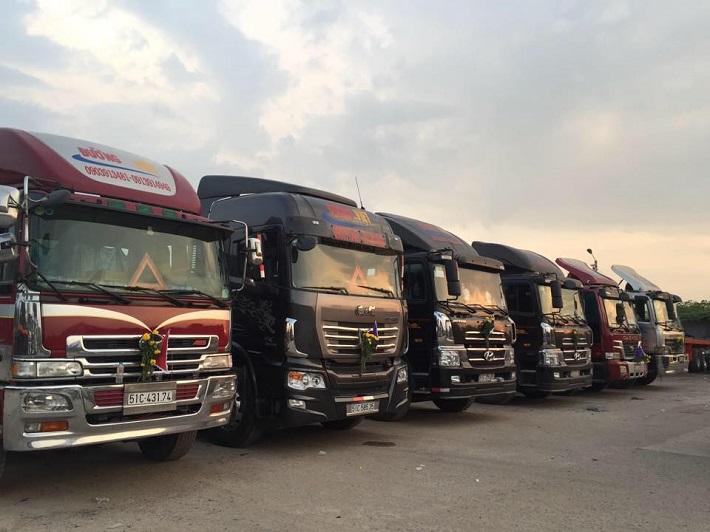 Cho thuê xe tải chở hàng - Công Ty Vận Tải Đường Việt