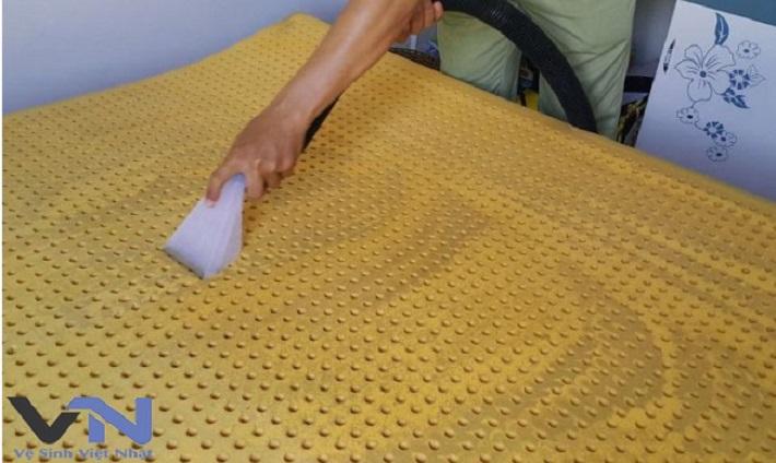 Giặt nệm tại nhà - Dịch vụ giặt nệm Việt Nhật