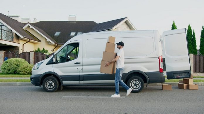 Vận chuyển hàng hóa bằng xe tải