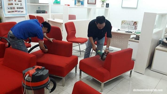Dịch vụ giặt sofa tại nhà Quận 1 - Hoàng Vũ Phong (Hình minh họa) | Nguồn từ trang starsclean.net