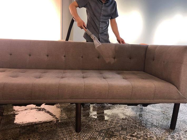 Dịch vụ giặt sofa tại nhà Quận 1 - Dịch vụ giặt ghế sofa Lê Quân | Nguồn từ trang vesinhlequan.com