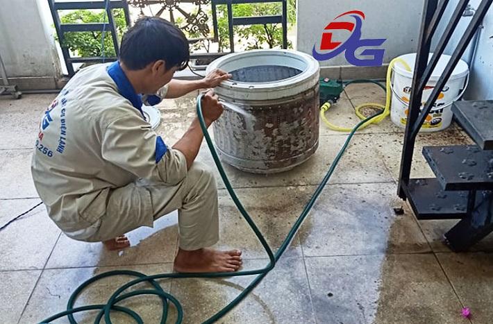 Dịch vụ Vệ sinh máy giặt - Cơ Điện Lạnh Đoàn Gia | Nguồn từ trang web dienlanhdoangia.com