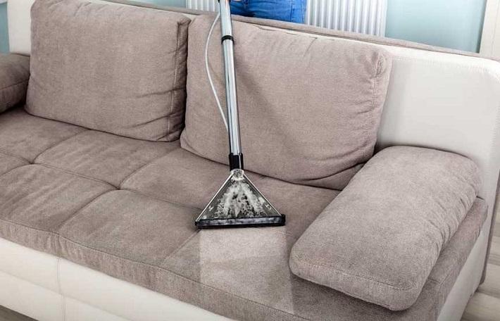 Giặt ghế sofa tại nhà Quận 12 - Anh Thư