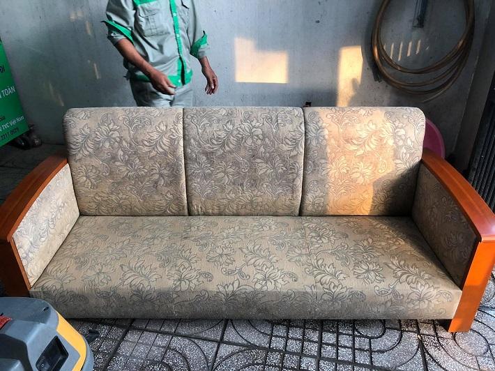 Giặt sofa tại nhà Quận 10 - Công Ty vệ sinh Việt Nhật | Nguồn từ trang dichvuvietnhat.com