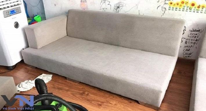 Giặt sofa tại nhà Quận 12 - Công Ty vệ sinh Việt Nhật | Nguồn từ trang dichvuvietnhat.com