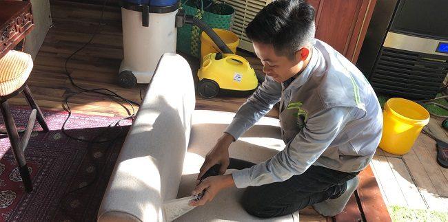 Giặt sofa tại nhà Quận 5 - Công Ty vệ sinh Việt Nhật   Nguồn từ trang dichvuvietnhat.com
