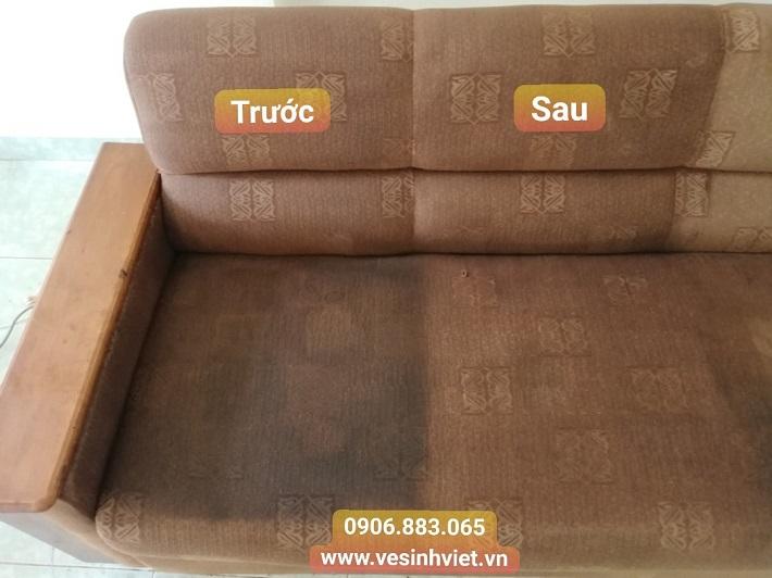 Giặt sofa tại nhà Quận 7 - Công ty vệ sinh công nghiệp Phạm Gia   Nguồn từ trang dichvugiatghesofa.net