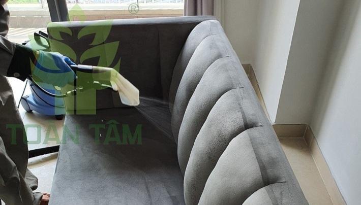 Dịch vụ giặt ghế sofa Toàn Tâm   Nguồn từ trang toantamvn.com