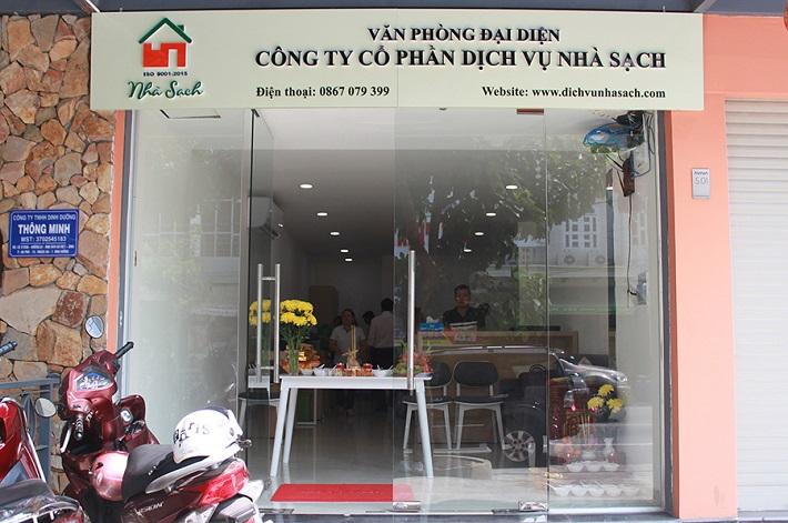 Vệ sinh nhà sau xây dựng - Dịch vụ nhà sạch   Nguồn từ trang web dichvunhasach.com